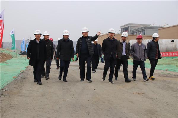集团公司党委书记、董事长张斌成一行到潼关...